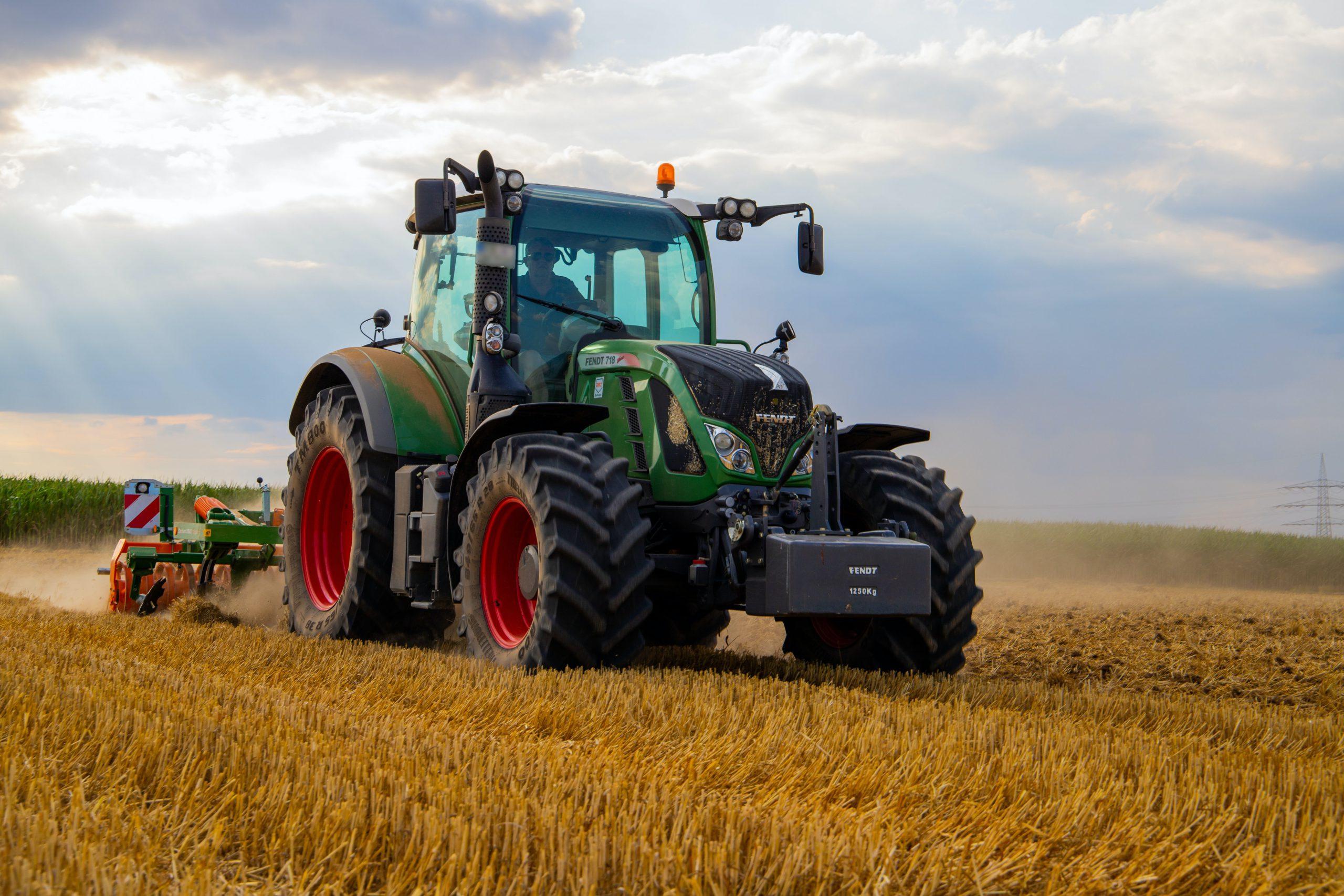 logo_tractor